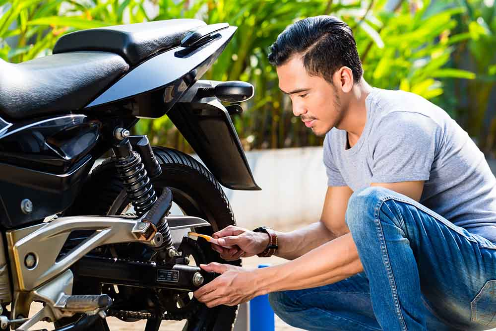 dicas para fazer a manutenção da moto em casa