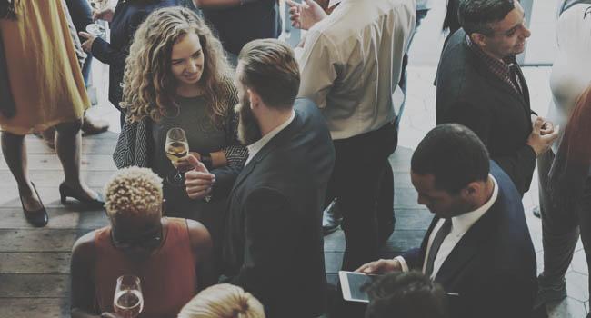 Melhores procedimentos para um convite corporativo