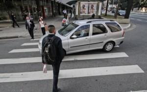 descumprimento de leis na faixa de pedestre