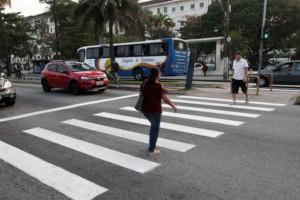 faixa de pedestre: preferência