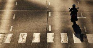 evitar acidente de moto